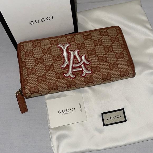 Authentic Gucci MLB LA dodgers zippy wallet clutch